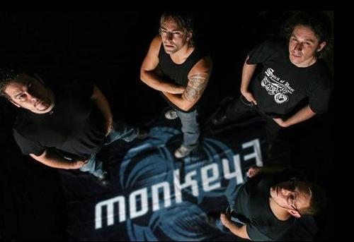 Monkey3 + Phased aux Combustibles (Paris), le 28 Mars 2012